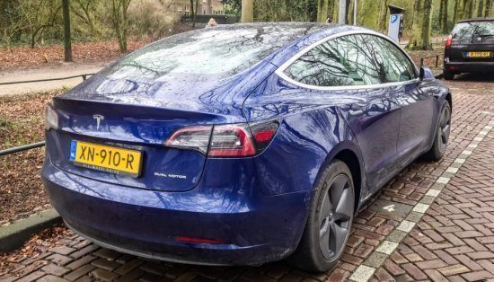 Tesla Model 3 in het straatbeeld