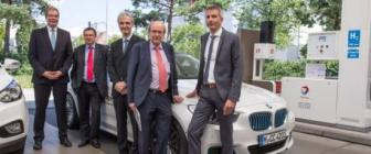 BMW en Total plaatsen innovatief waterstoftankstation